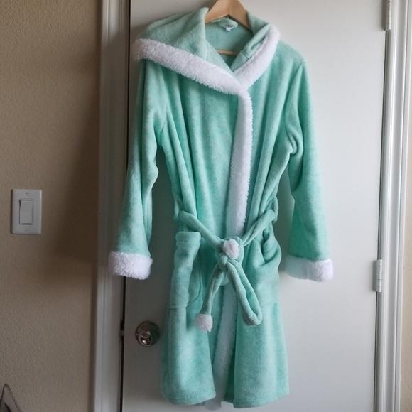 Ulta Beauty Other - Ulta Beauty women's mint & white hooded robe